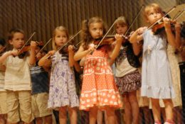 Children Playing Violin Suzuki Institute